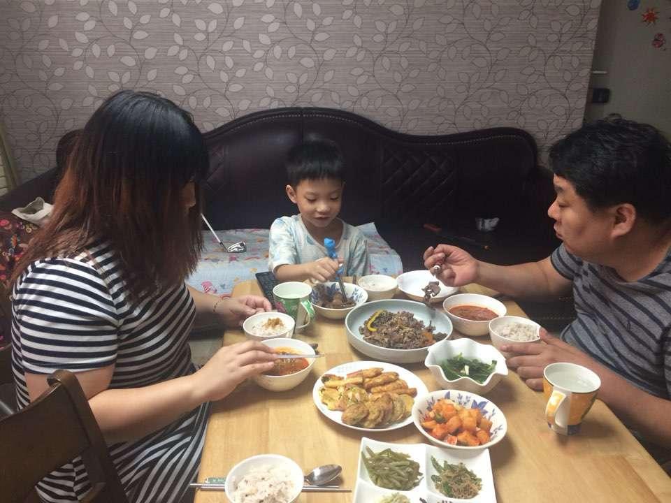아내와 처남과의 집에서의 식사