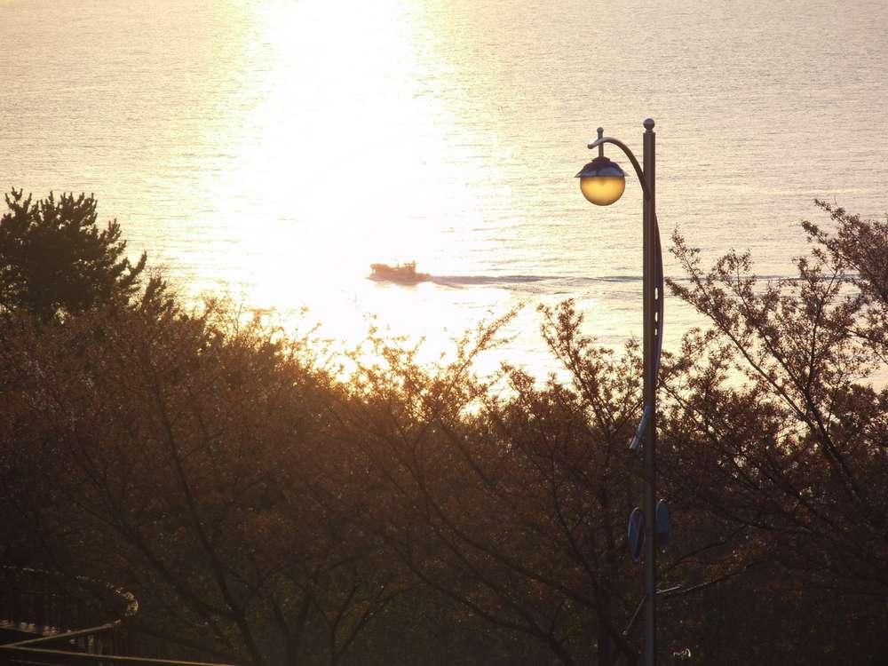 삼사해상공원의 아침 풍경